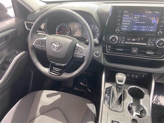 Toyota Highlander 2021 price $39,981