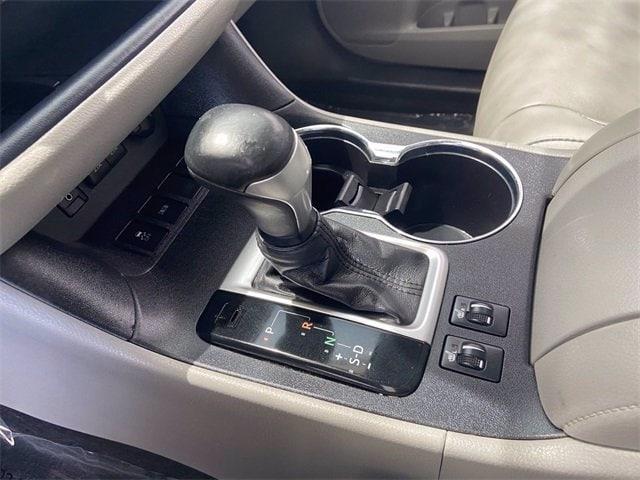 Toyota Highlander 2018 price $31,981