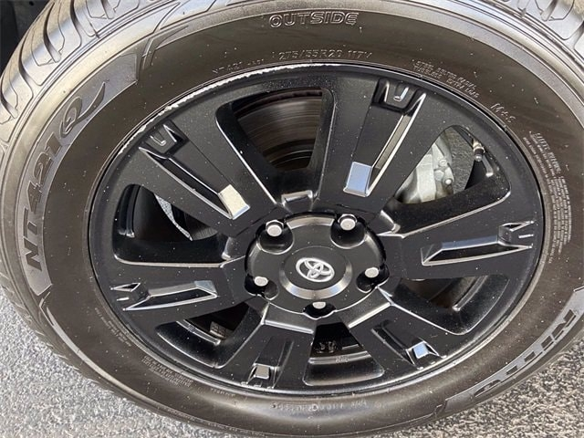 Toyota Sequoia 2018 price $63,981