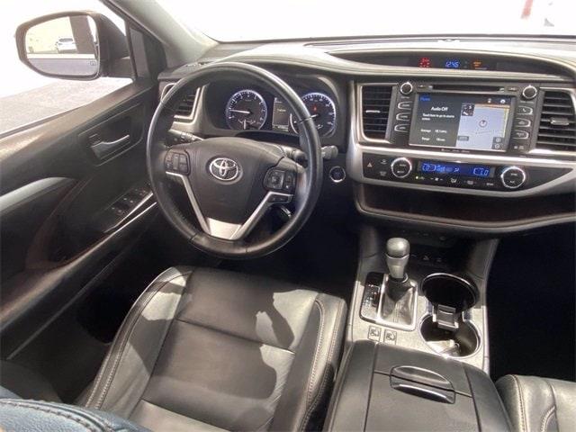 Toyota Highlander 2017 price $36,981