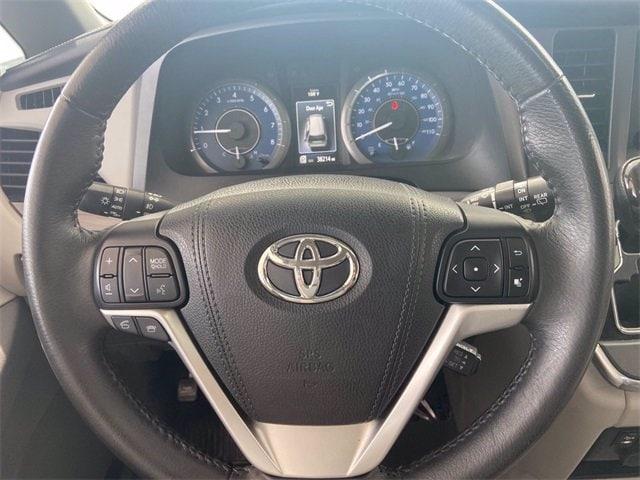 Toyota Sienna 2017 price $36,981