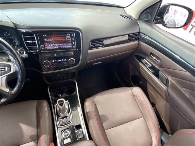 Mitsubishi Outlander PHEV 2018 price $24,981