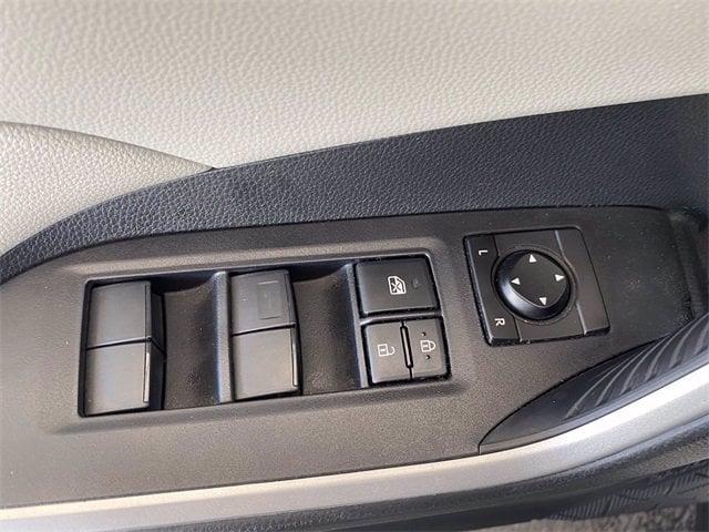 Toyota RAV4 2019 price $31,981