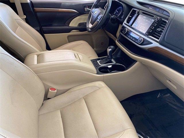 Toyota Highlander 2017 price $32,981