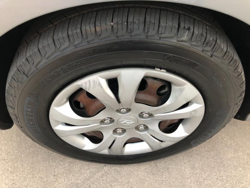 Hyundai Elantra 2010 price $5,990