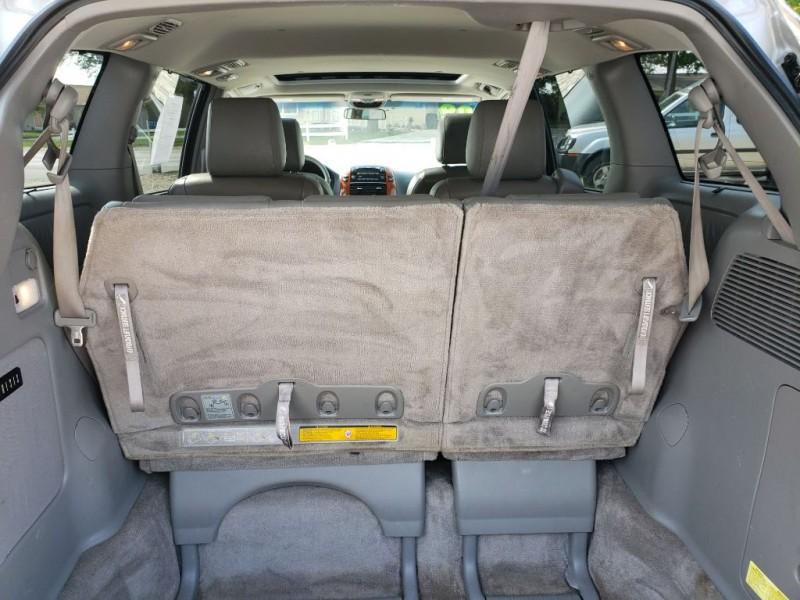 TOYOTA SIENNA 2009 price $7,350