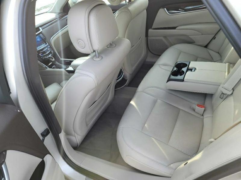 CADILLAC XTS 2013 price $15,950