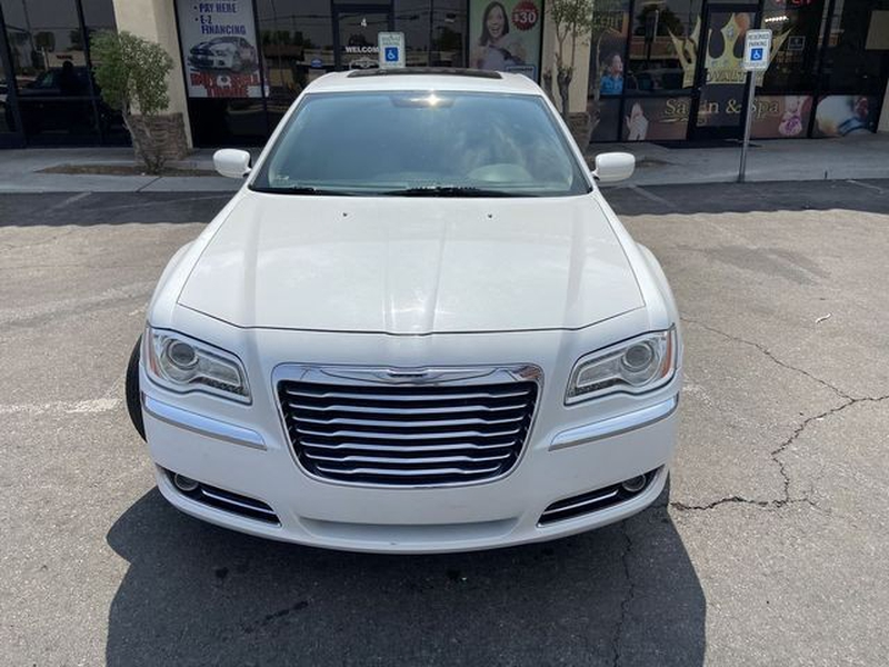 Chrysler 300 2013 price $9,999