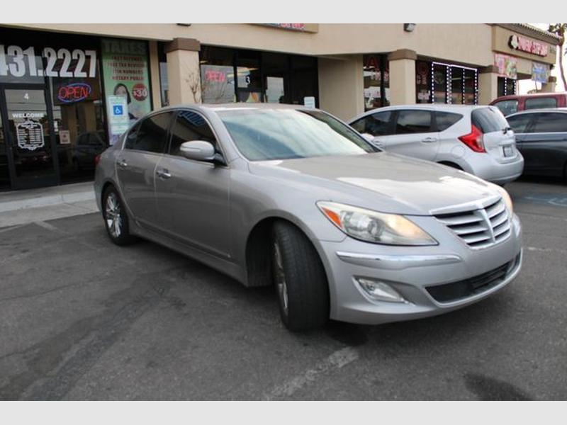 Hyundai Genesis 2012 price $9,699