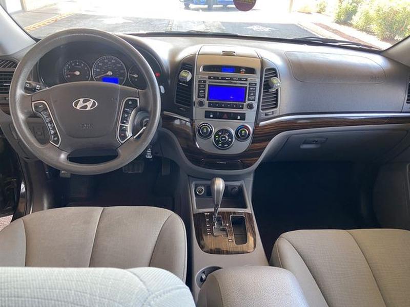 Hyundai Santa Fe 2011 price $9,999