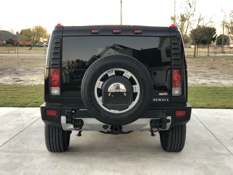 Hummer H2 2009 price $124,900