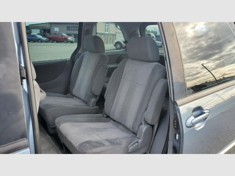 Mazda MPV 2004 price $3,495