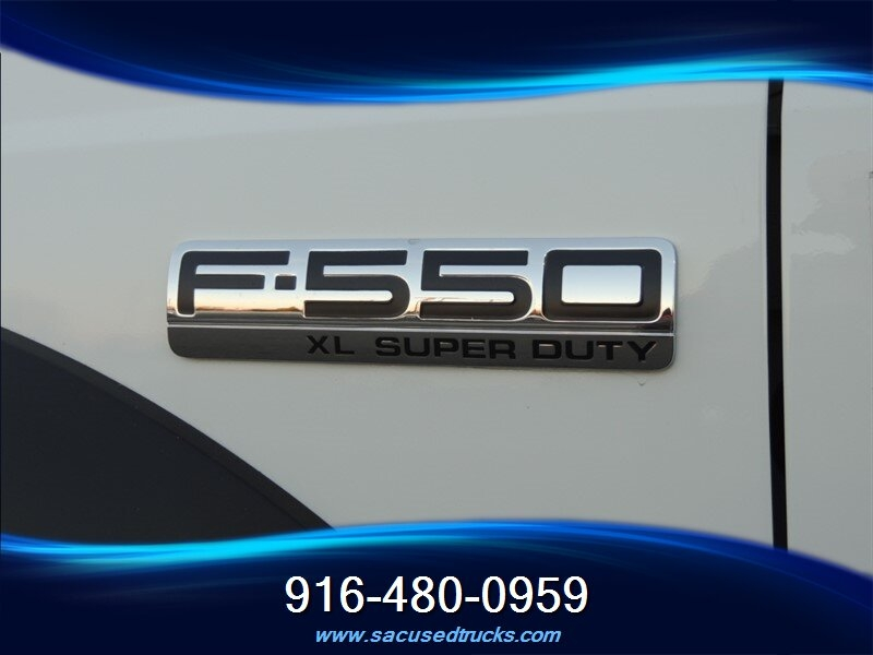 Ford F-550 2006 price $19,990