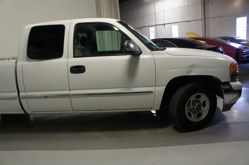 GMC NEW SIERRA 2002 price $6,799