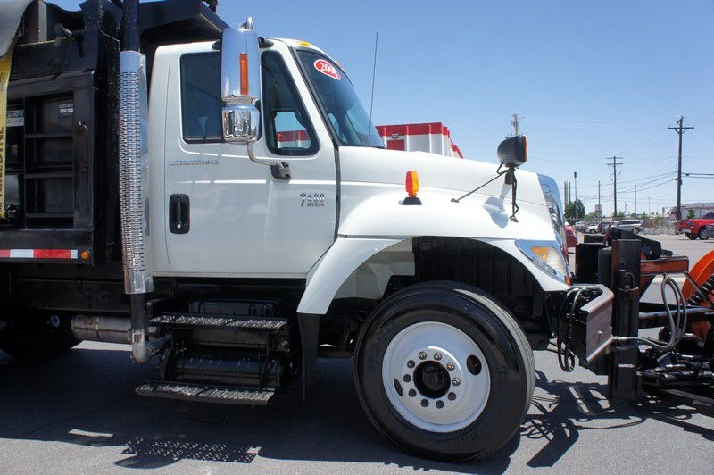 INTERNATIONAL 7400 2004 price $58,999