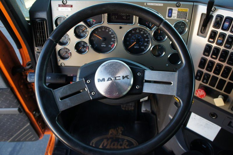 MACK GU713 2010 price $82,999