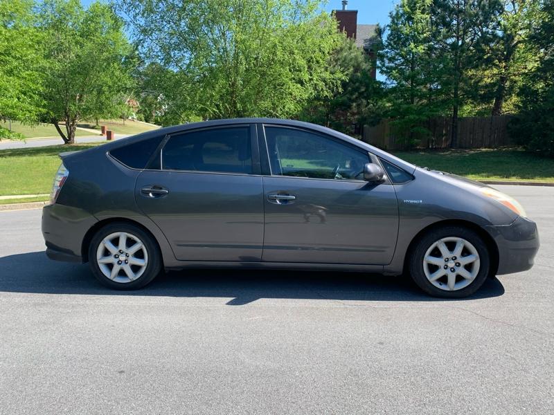 Toyota Prius 2007 price $4,900
