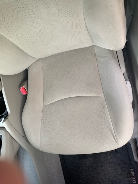 Toyota Prius 2010 price $7,300