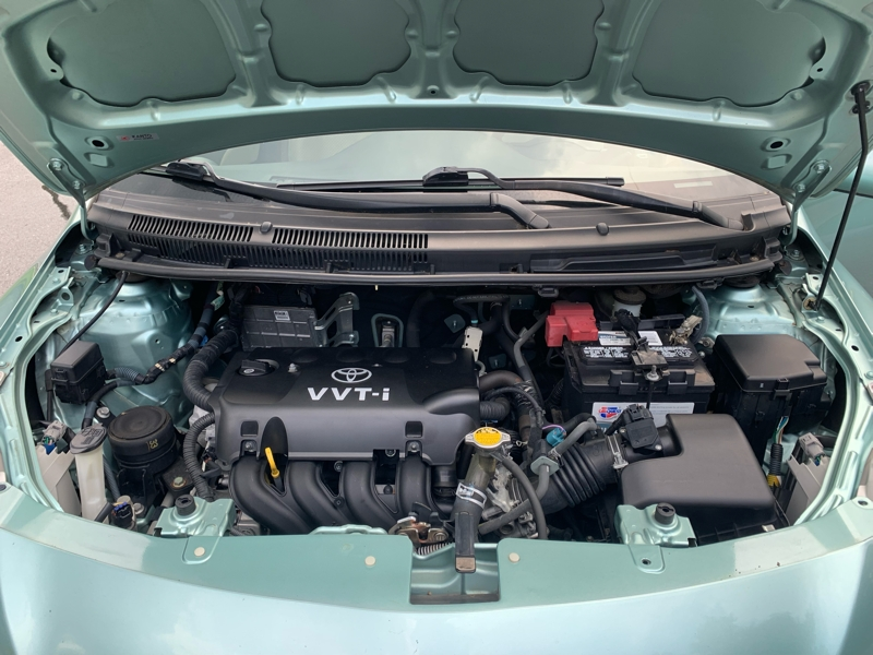 Toyota Yaris 2007 price $4,300
