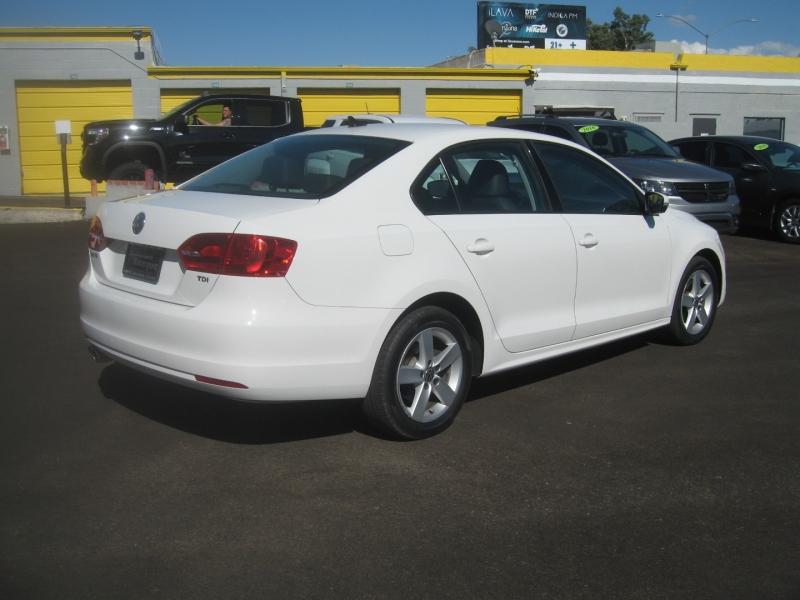 Volkswagen Jetta Sedan 2011 price $10,499