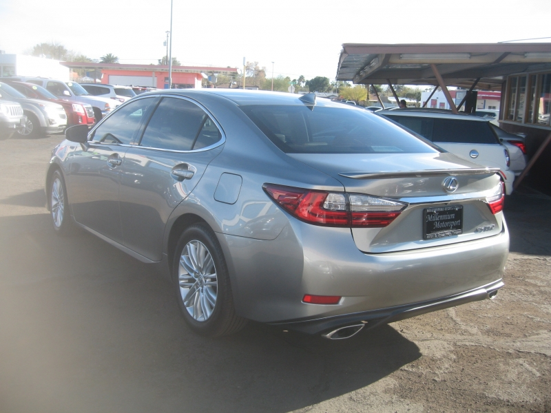 Lexus ES 2017 price $23,999