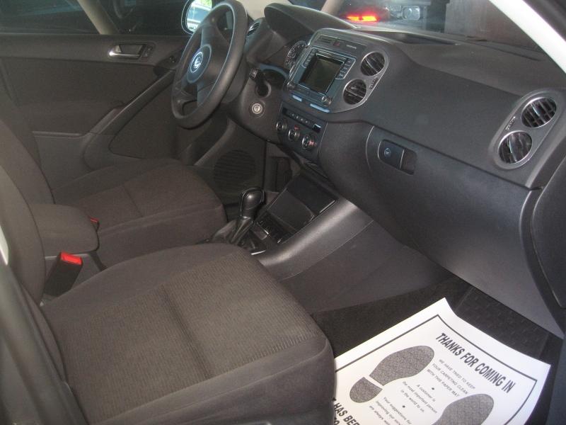 Volkswagen Tiguan 2017 price $12,999