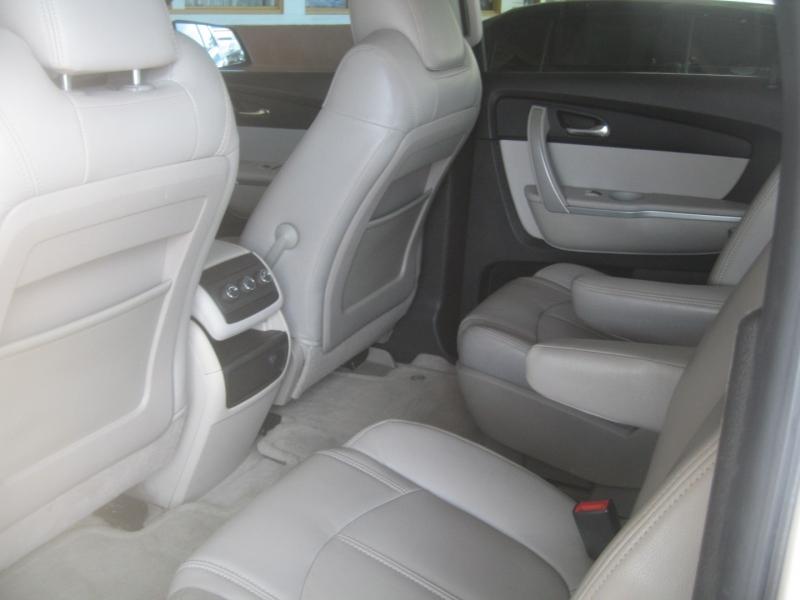 GMC Acadia 2012 price $10,499