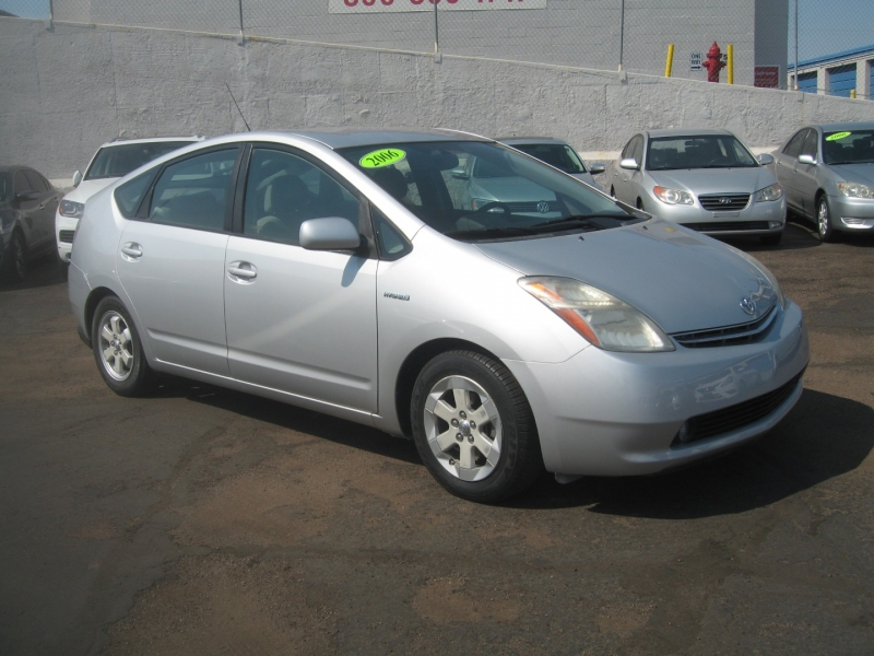 Toyota Prius 2006 price $7,499