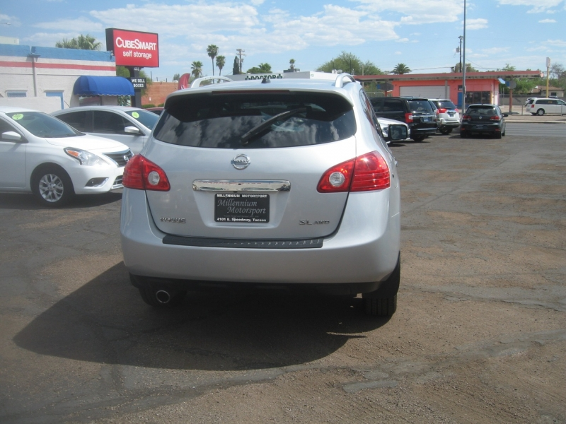 Nissan Rogue 2012 price $10,799