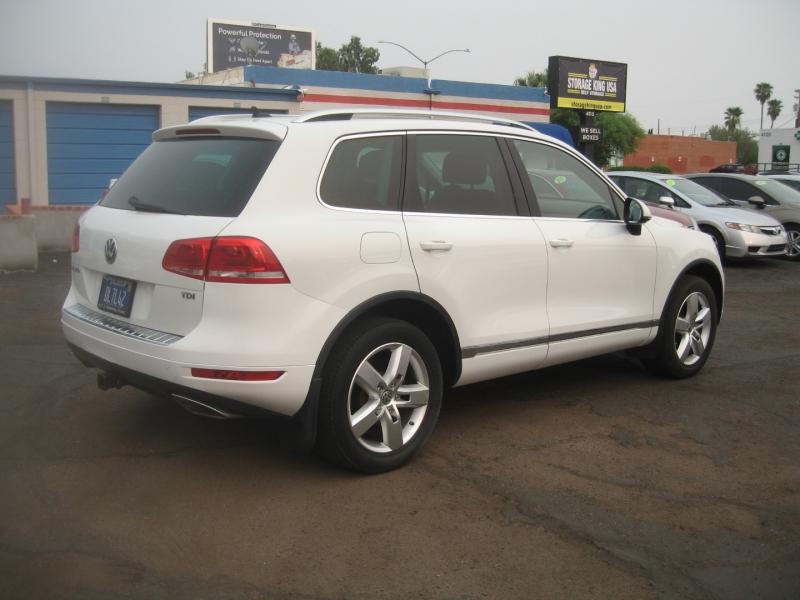 Volkswagen Touareg 2012 price $17,999