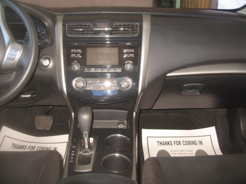 Nissan Altima 2015 price $12,999