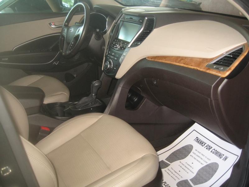 Hyundai Santa Fe 2013 price $11,499