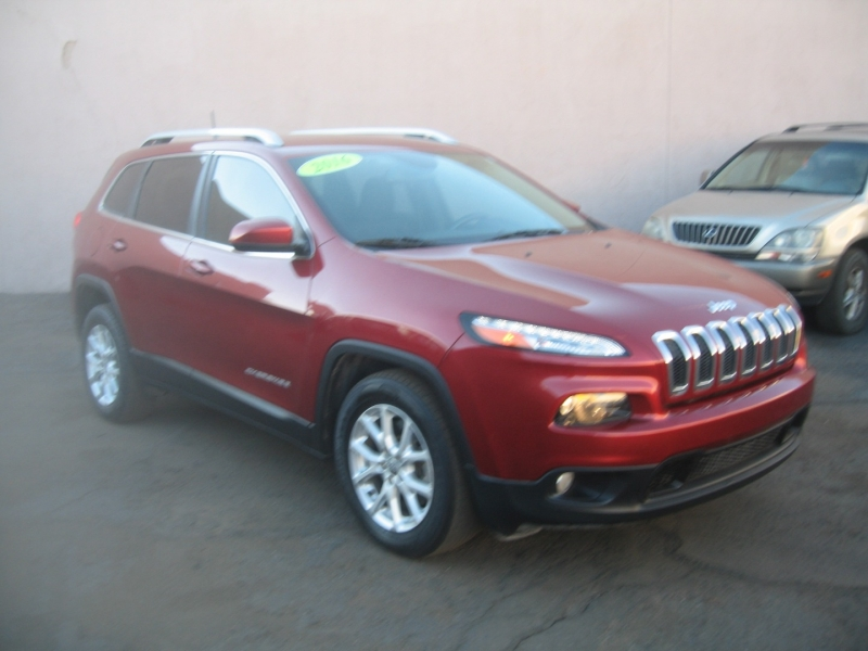Jeep Cherokee 2015 price $10,999