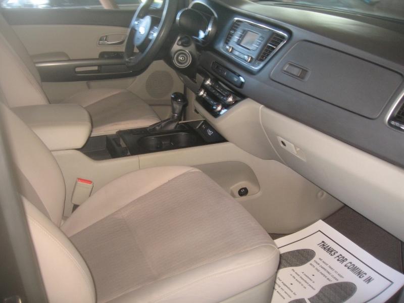 Kia Sedona 2016 price $13,499
