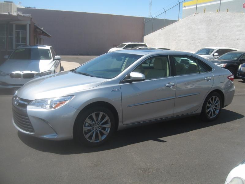 Toyota Camry Hybrid 2015 price $17,999