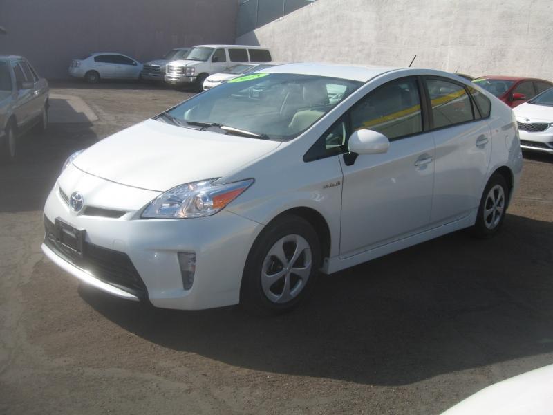 Toyota Prius 2015 price $15,499