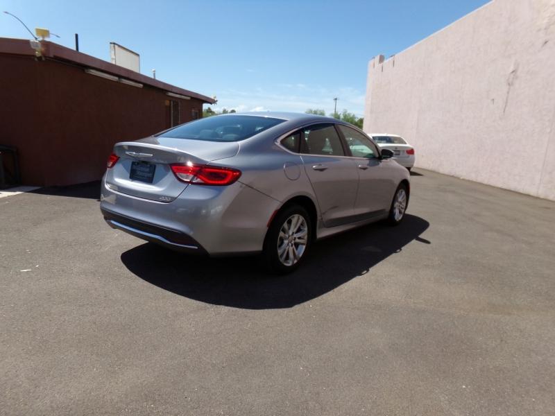 Chrysler 200 2016 price $11,499