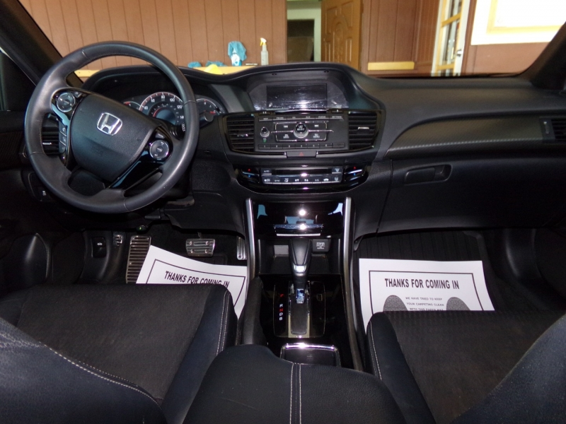 Honda Accord Sedan 2017 price $17,499