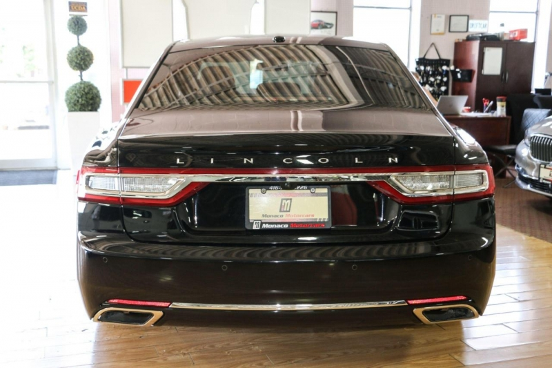 Lincoln Continental 2017 price $29,995