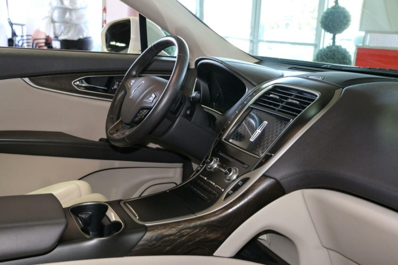 Lincoln MKX 2016 price $23,995