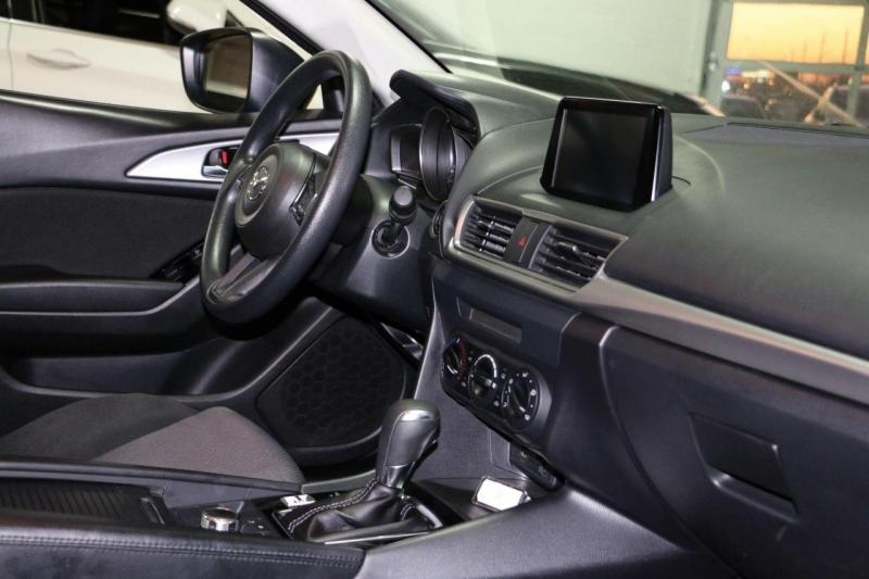 Mazda Mazda3 5-Door 2017 price $12,500