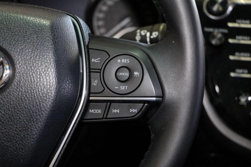 Toyota Camry 2018 price $25,950