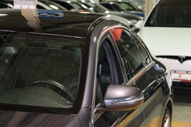 Mercedes-Benz C-Class 2016 price $24,995