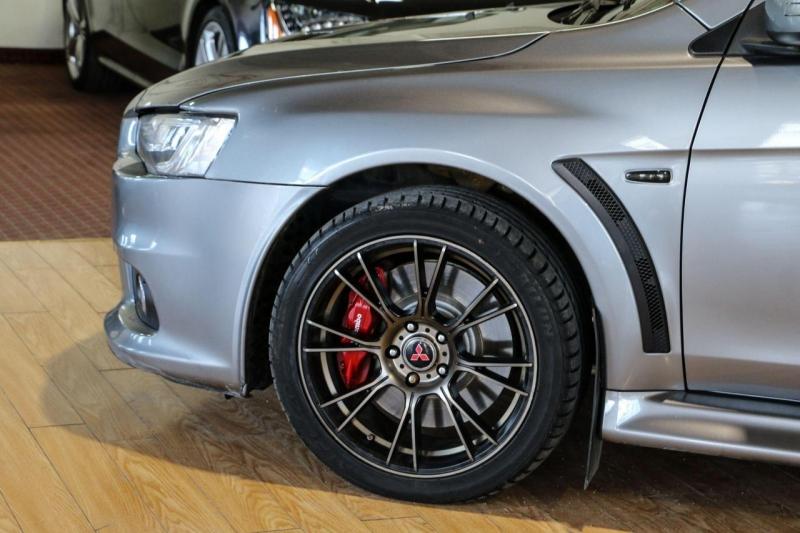 Mitsubishi Lancer Evolution 2015 price $37,995
