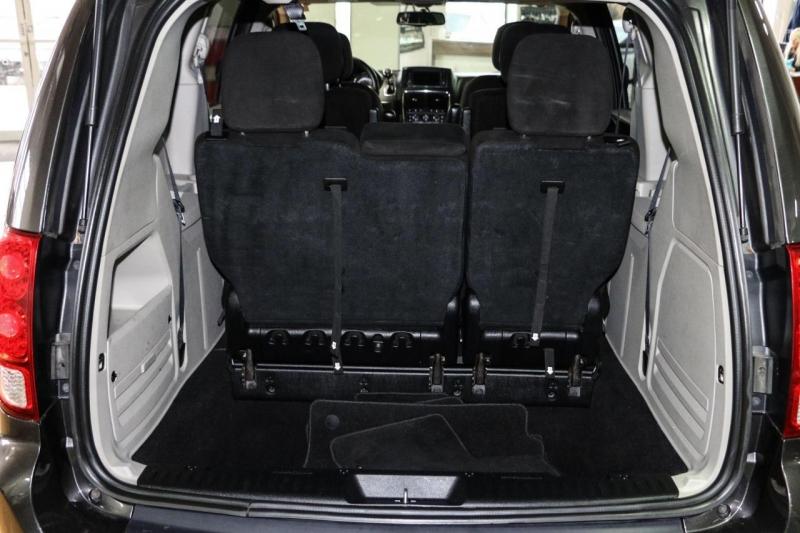 Dodge Grand Caravan 2016 price $12,950
