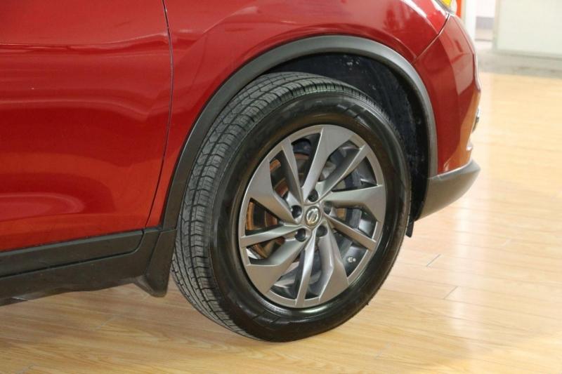 Nissan Rogue 2016 price $14,995