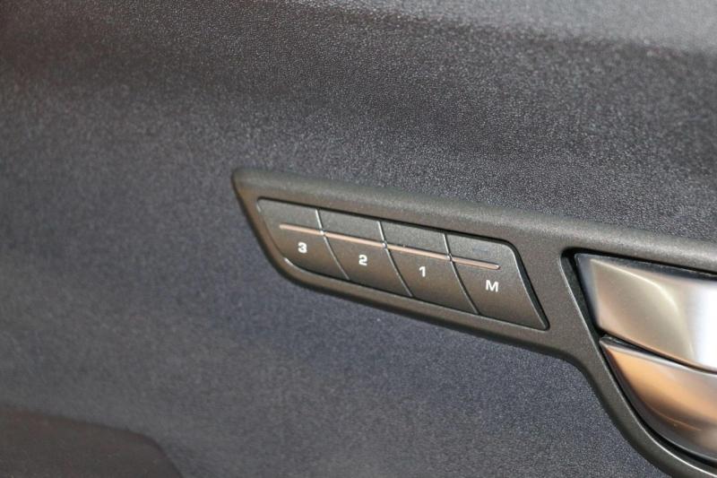 Land Rover Range Rover Evoque 2013 price $22,995