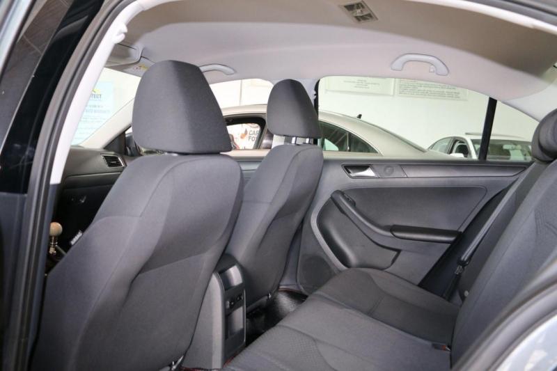 Volkswagen Jetta 2014 price $7,800