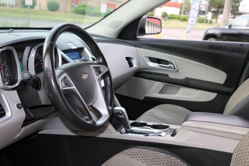 Chevrolet Equinox 2011 price $2,500