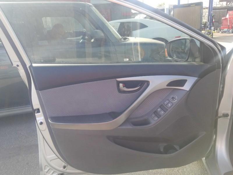 Hyundai Elantra 2011 price $5,000 Cash